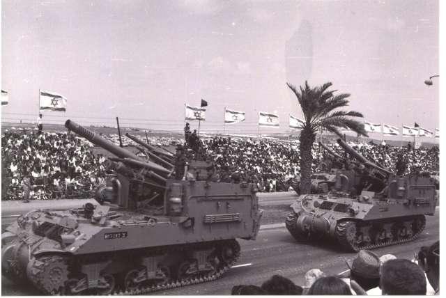מצעד צבאי בלב תל אביב 1965